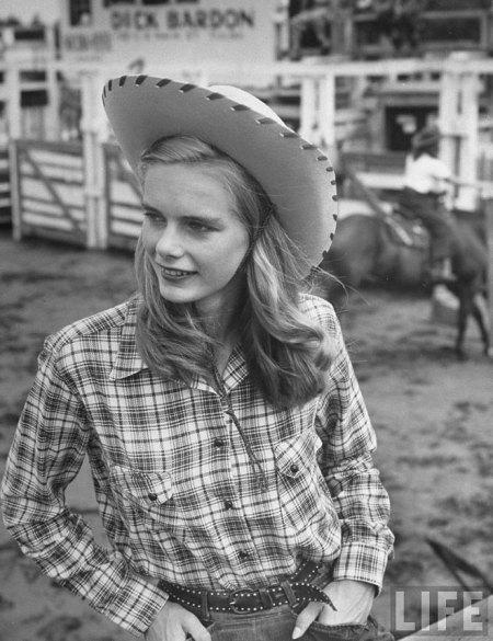 cowgirls1